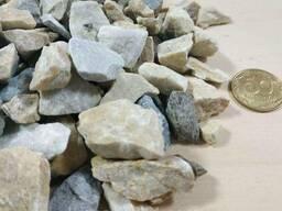Мраморная крошка крем-серый, фракция 10-20 мм, камень для ла
