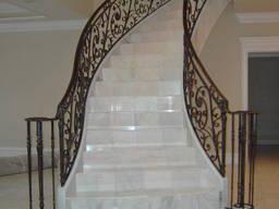 Мраморные лестницы в Одессе от производителя