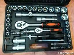 Набор ручного инструмента из 94 элементов Müller. Идея для