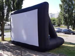 Надувной экран для кинотеатра под открытым небом