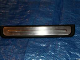 Накладка порога зад нижняя правая 769B2-AV710 на Nissan Prim