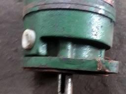 Насос пластинчатый Г12-24М, с хранения