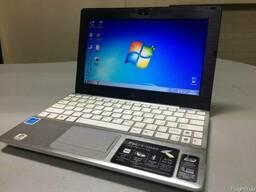 Нетбук ASUS Eee PC 1018P в отличном состоянии, всё работает.
