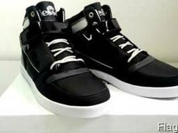 Новая обувь 19 евро пара.