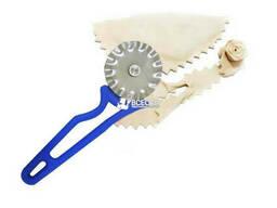 Нож фигурный для вырезания чебуреков и пиццы