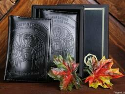 Обложка на паспорт натуральная кожа с тиснением Ангела Храни