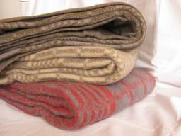 Одеяла полушерстяные (50% шерсти) 140х205