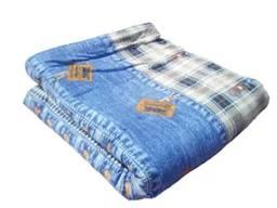 Одеяло ватное полушерстяное двуспальное. Ткань верха: бязь Материал наполнения: ватин