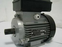 Однофазный электродвигатель АИ1Е 71 А4 (0,55 кВт 1500об/мин)