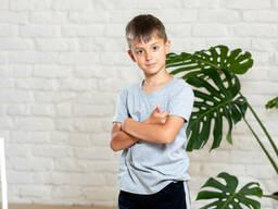 Однотонная детская трикотажная футболка на мальчика cotton 9-12 лет