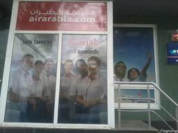 Оформление витрин магазинов в Днепропетровске, поклейка окон