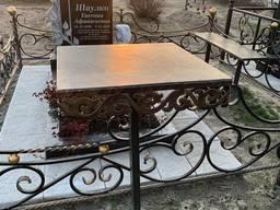 Стол на кладбище 500*500 с декоративной вставкой.