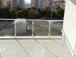 Монолитный поликарбонат для остекления балконов