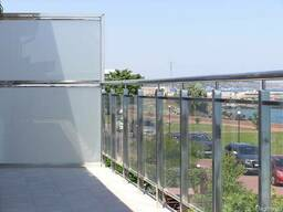 Ограждения на балкон из стекла и нержавейки