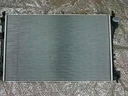 Опель Вектра С. 2008. 2.2 - Радиатор охлаждения двигателя