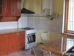 Оренда 2-кім квартири за адресою 3-й Топольний провулок