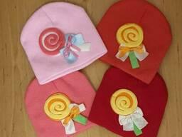 Осенняя вязаная шапка для девочки Темно-розовый