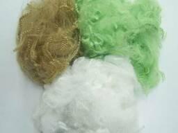Отходы полиэфирного волокна и нитей.