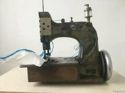 Швейна машина оверлок для пошиття біг-бегів і мішків