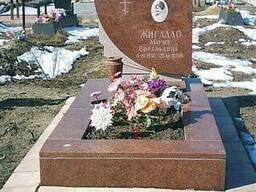 Памятник из красного гранита,лезниковский гранит цена