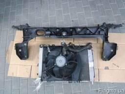 Панель передняя телевизор Renault Clio