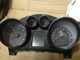 Панель щиток приборов спидометр Opel Insignia 13327313. ..