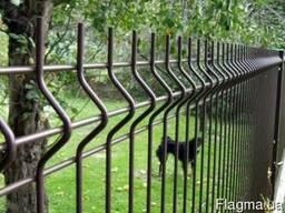 Панельный забор из сварной сетки, цвет - коричневый
