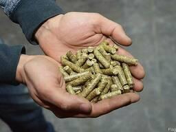 Пеллеты из соломы в мешках по 30 кг.
