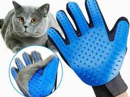 Перчатка для вычесывания шерсти домашних животных True. ..