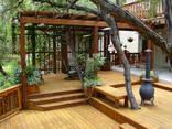 Пергола деревянная к дому - фото 1