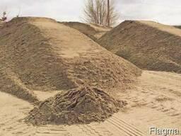 Песок карьерный, речной.