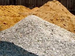 Песок, шлак, граншлак, щебень и другие сыпучие стройматериал