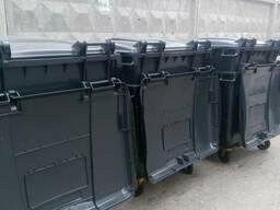Пластиковый контейнер с полоской крышкой 660, 770, 1, 1куб.