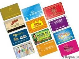 Пластиковые дисконтные карты, удостоверения, пропуска.