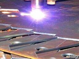 Плазменная резка листового металла.