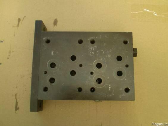 Плита присоединительная для гидрораспределя ВЕХ16 1шт.