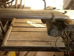 Плиткорезний стол с подачей води
