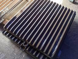 Плиты дробящие к щёковой дробилке СМД-108