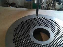 Плоские матрицы и ролики для производства гранулы