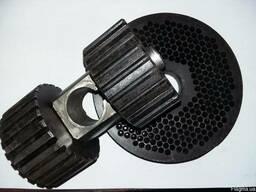 Плоские матрицы и ролики в сборе для пресс-гранулятора