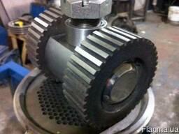 Плоские матрицы, ролики и прессующие головки для грануляторо