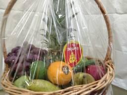 Подарочная корзина фруктов