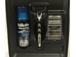 Подарочный набор Gillette Justice League бритва со сменной кассетой 1шт + гель для бритья