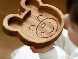 Подарок ребёнку тарелка Медведь из дуба 180*180*23мм