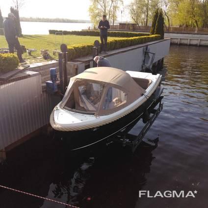 Подъемник для лодок и катеров