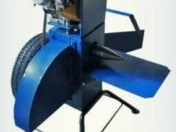 Подрібнювач гілок для бензинового двигуна.