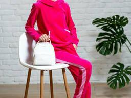 Подростковый спортивный костюм из велюра для девочки розового цвета
