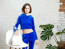 Подростковый спортивный костюм с укороченной кофтой худи для девочки синего цвета