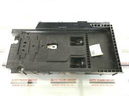 Подставка аккумулятора Ford Fusion 2013-16 DG93-10723A
