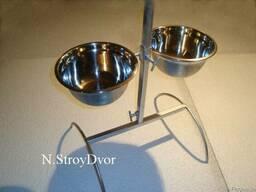 Подставка с мисками на штативе для кормления собак и др.